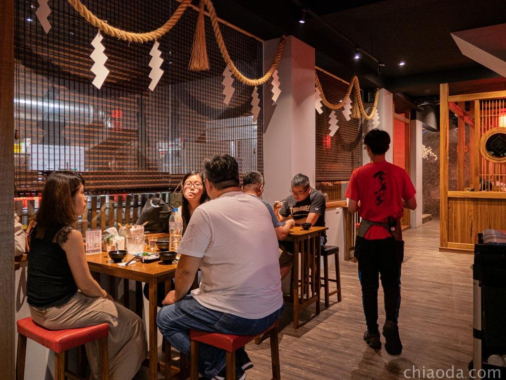 拿手串日式串燒居酒屋 內用環境