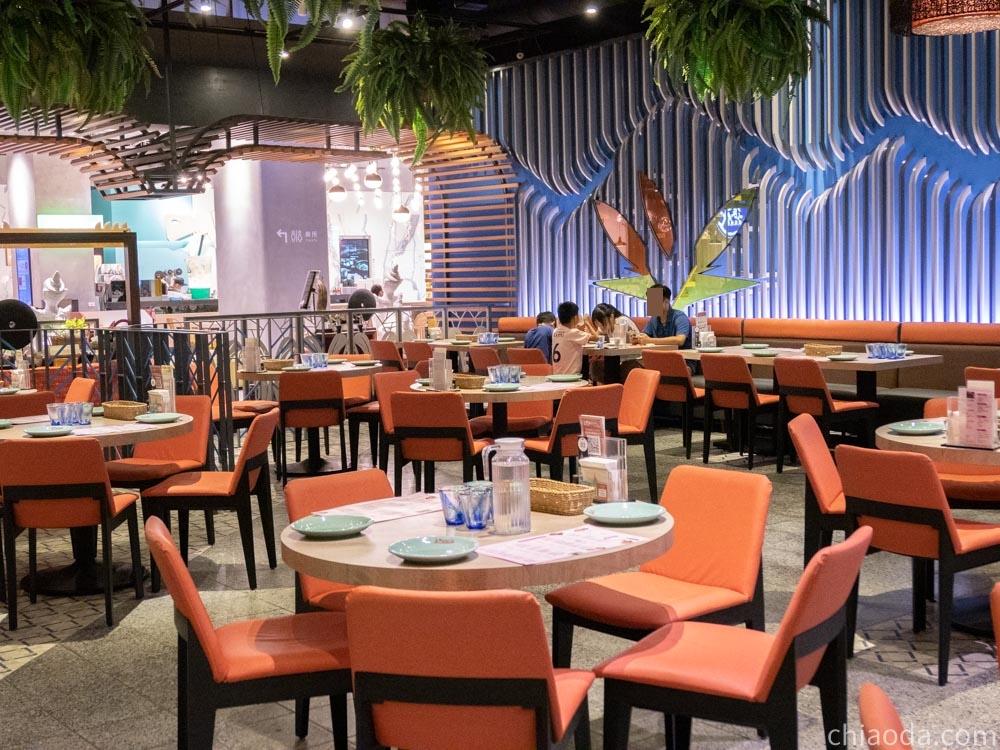 阿杜皇家泰式料理 秀泰台中站前店 內用環境