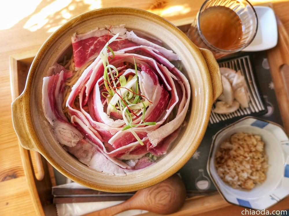 小覓秘麵食所 鮮燙玫瑰五花牛翡翠麵