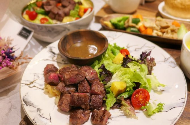 甲奔甲肉|(2020食記)中美街上好吃舒肥牛排只要$250!肉質軟嫩又營養均衡,大推啊~