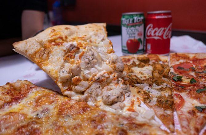 怪獸披薩|忠孝夜市美式Pizza 一片$55,20吋只要$400!每天還有不同限定口味喔~
