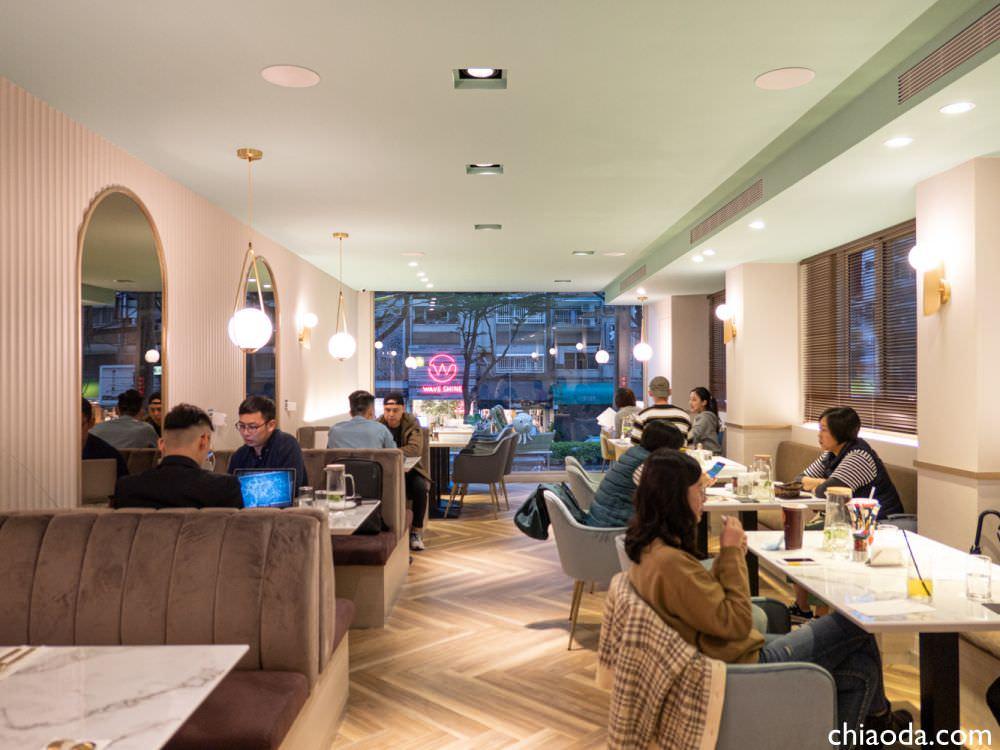 不言Humble 餐廳環境 二樓內用空間