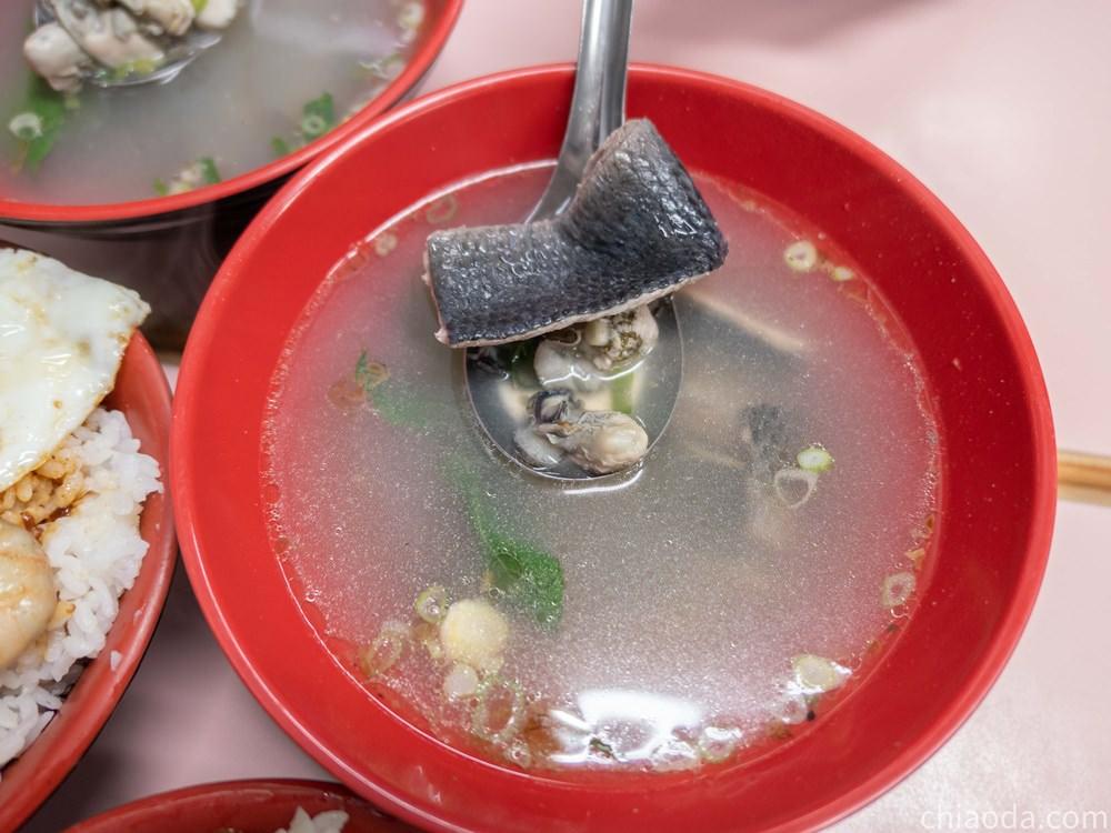 老五鹹粥 魚皮鮮蚵湯