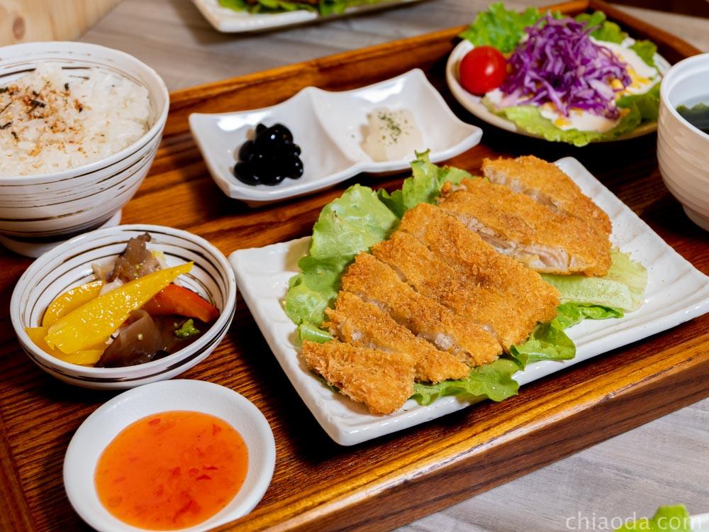 津川咖哩 炸多利魚定食