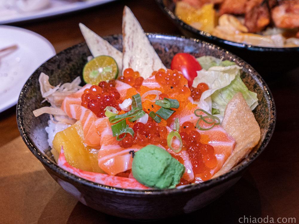 泉香平價日式料理 鮭魚親子丼