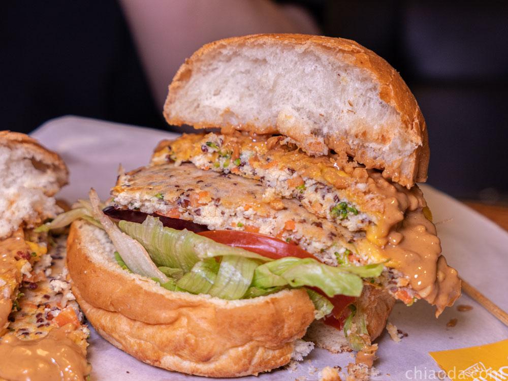burger joint7分so 花媽起司漢堡 藜麥豆腐堡
