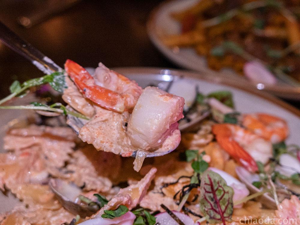 吾家可歸 綜合海鮮佐奶香里烤塔起司蝴蝶麵