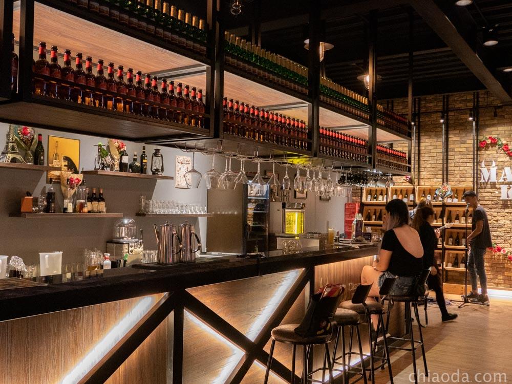 貓王經典餐酒館 一樓吧台 台中餐酒館推薦
