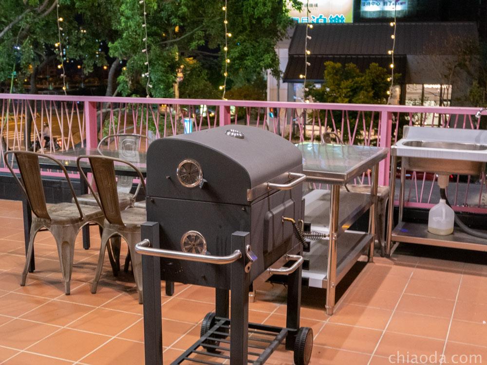 貓王經典餐酒館 二樓露台BBQ