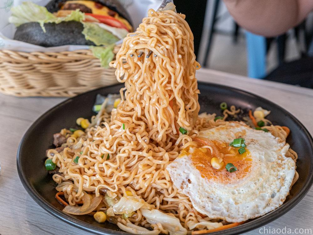 GA U x brunch 早午餐加油站 招牌炒泡麵+蛋