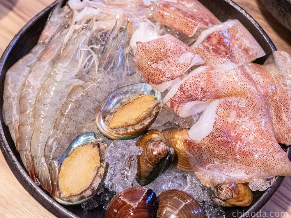 八吋鍋 海鮮拼盤