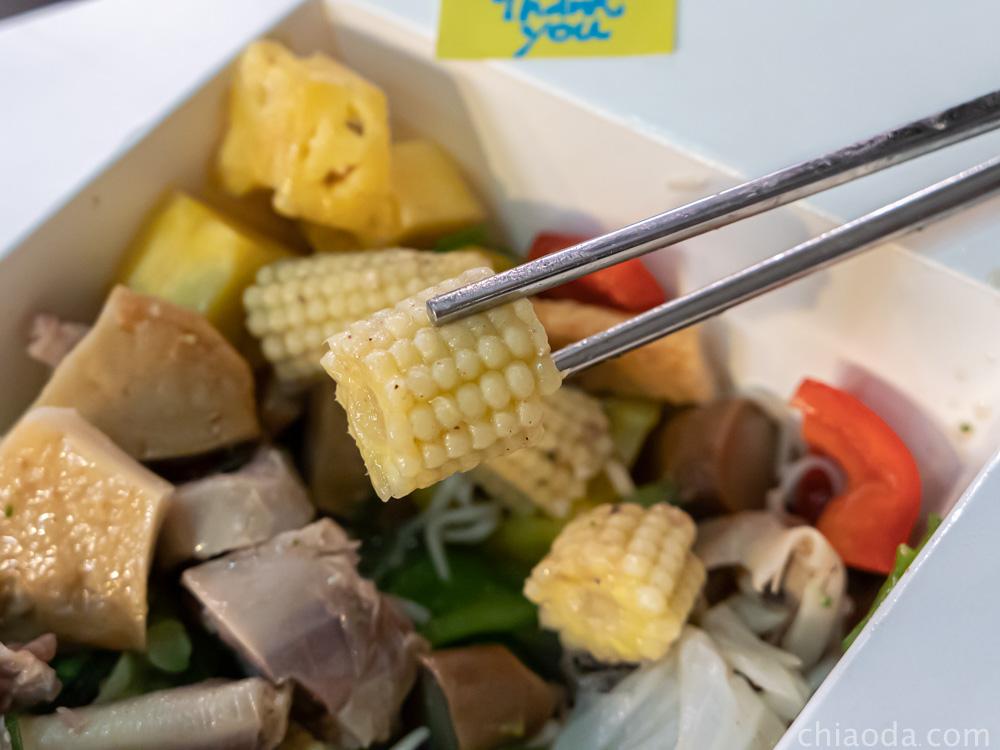 木子李鹹水雞 玉米筍