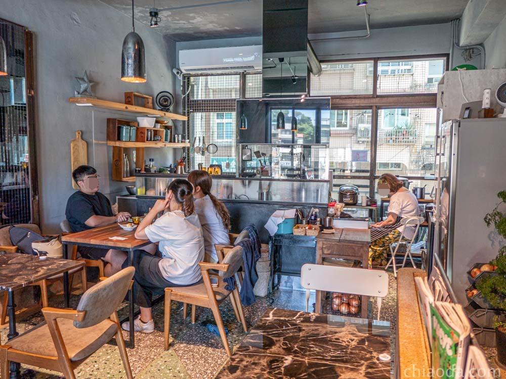 圖們咖啡 二樓用餐環境