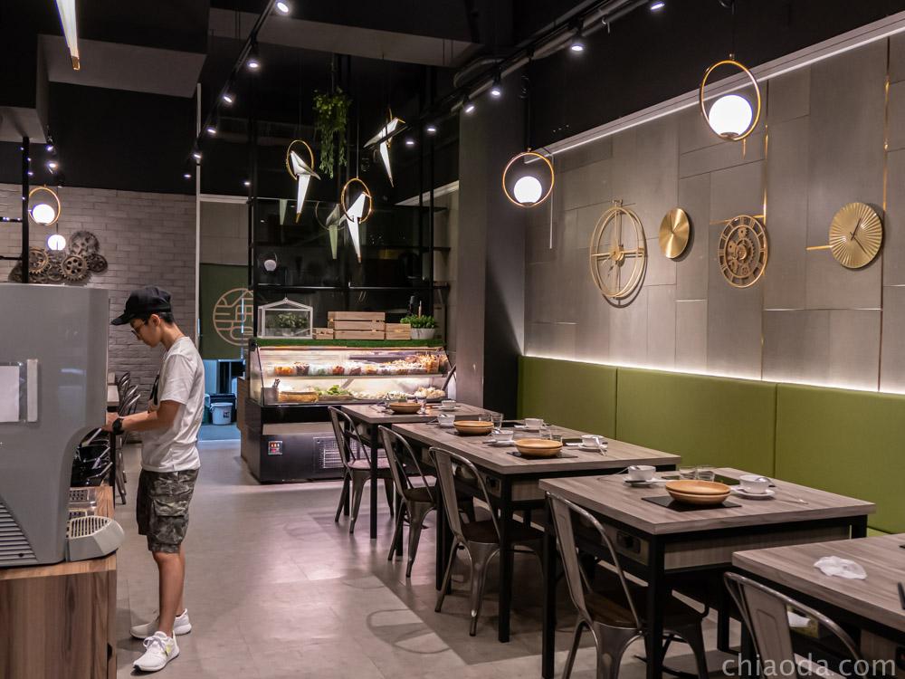 論石間鍋物台中中科店內用環境 中科商圈美食