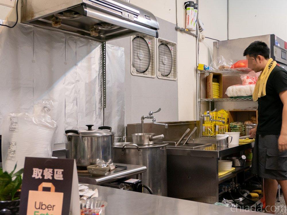 麻角 鍋專門 廚房