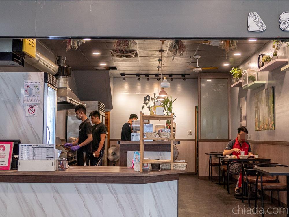 告胖東興店 餐廳環境