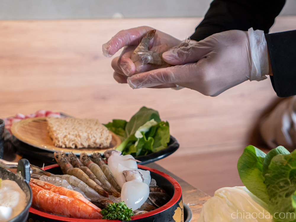 燒瓶子 剝蝦服務 彰化火鍋推薦