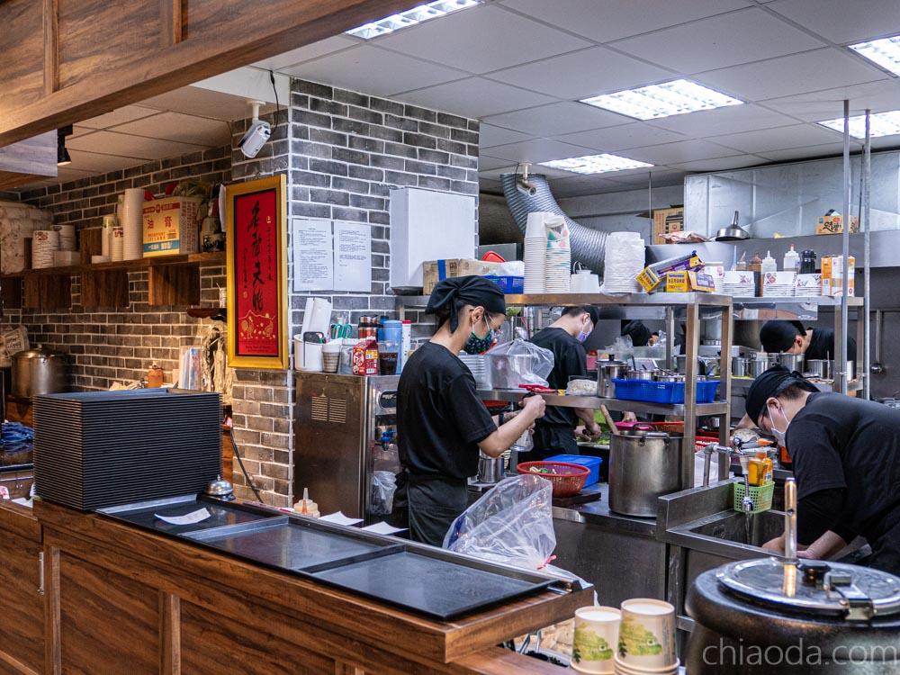 滷菩提中國醫店 開放式廚房 台中蔬食