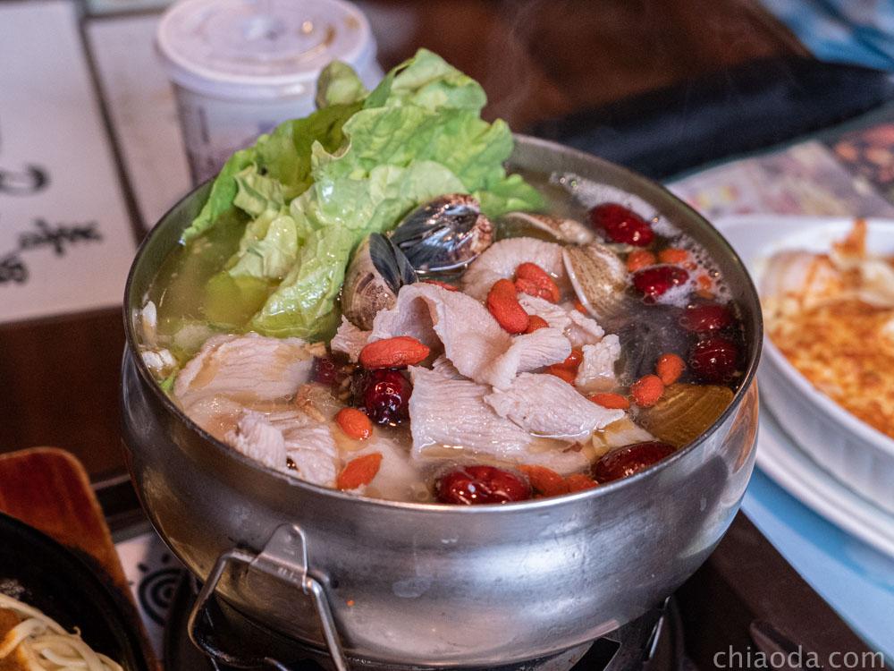 普羅咖啡館 一食一鍋-文蛤松坂鍋