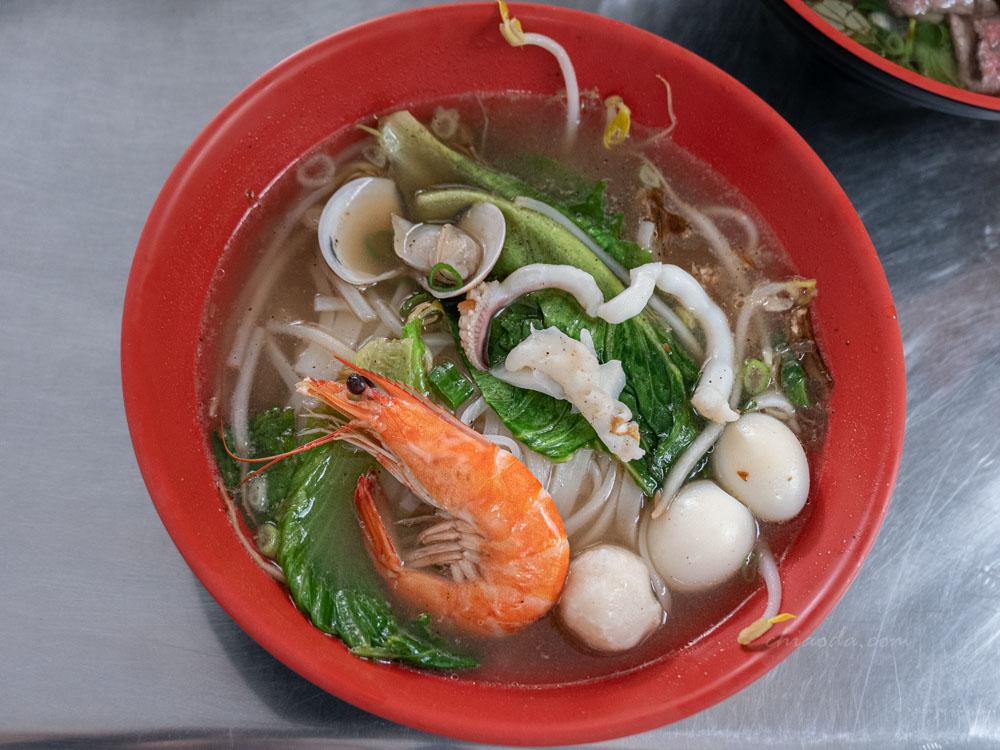 烏日越南米粉湯小吃 越南海鮮河粉