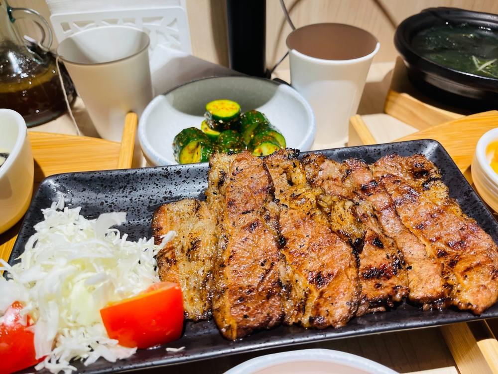花一番炸牛排 牛丼 燒牛肉