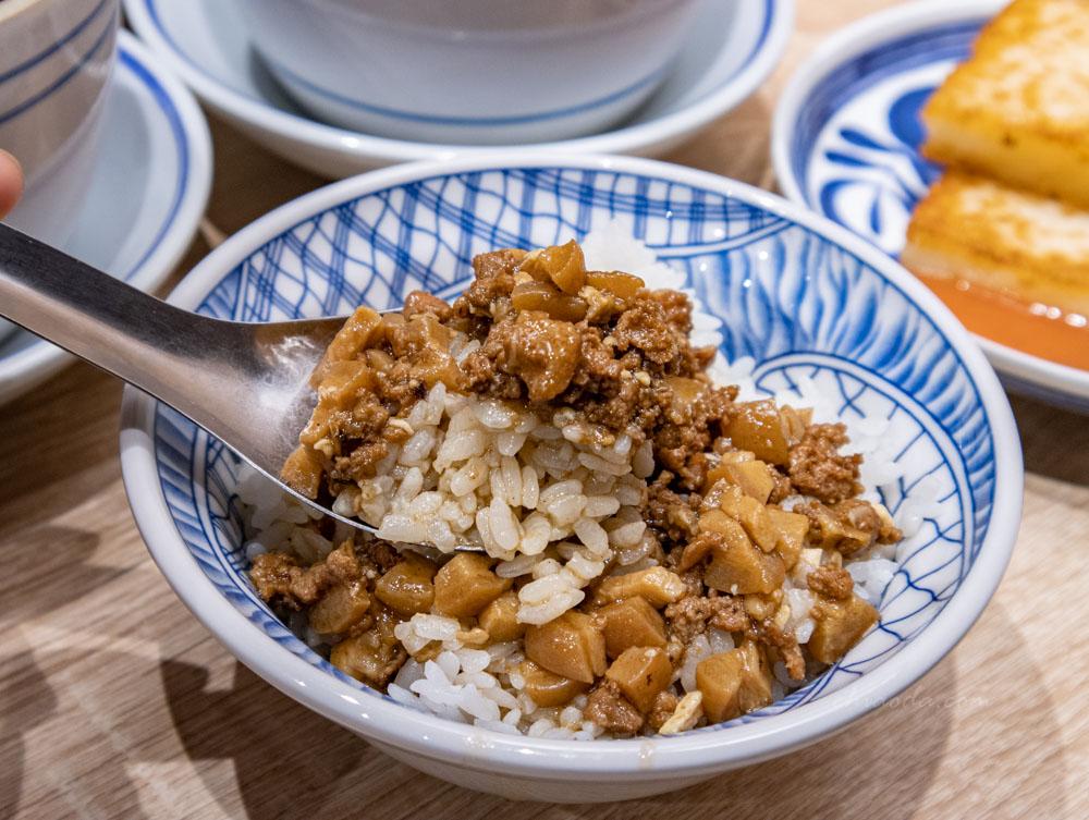 賣湯佬 滷肉飯 台中西區晚餐宵夜