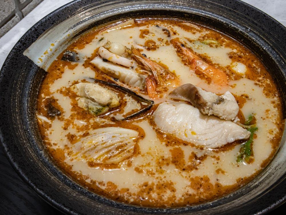 麻角小鍋 麻辣奶香+麻角海鮮鍋